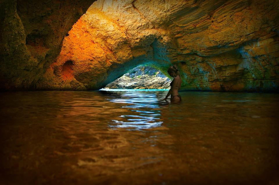 Les grottes  8VZPb