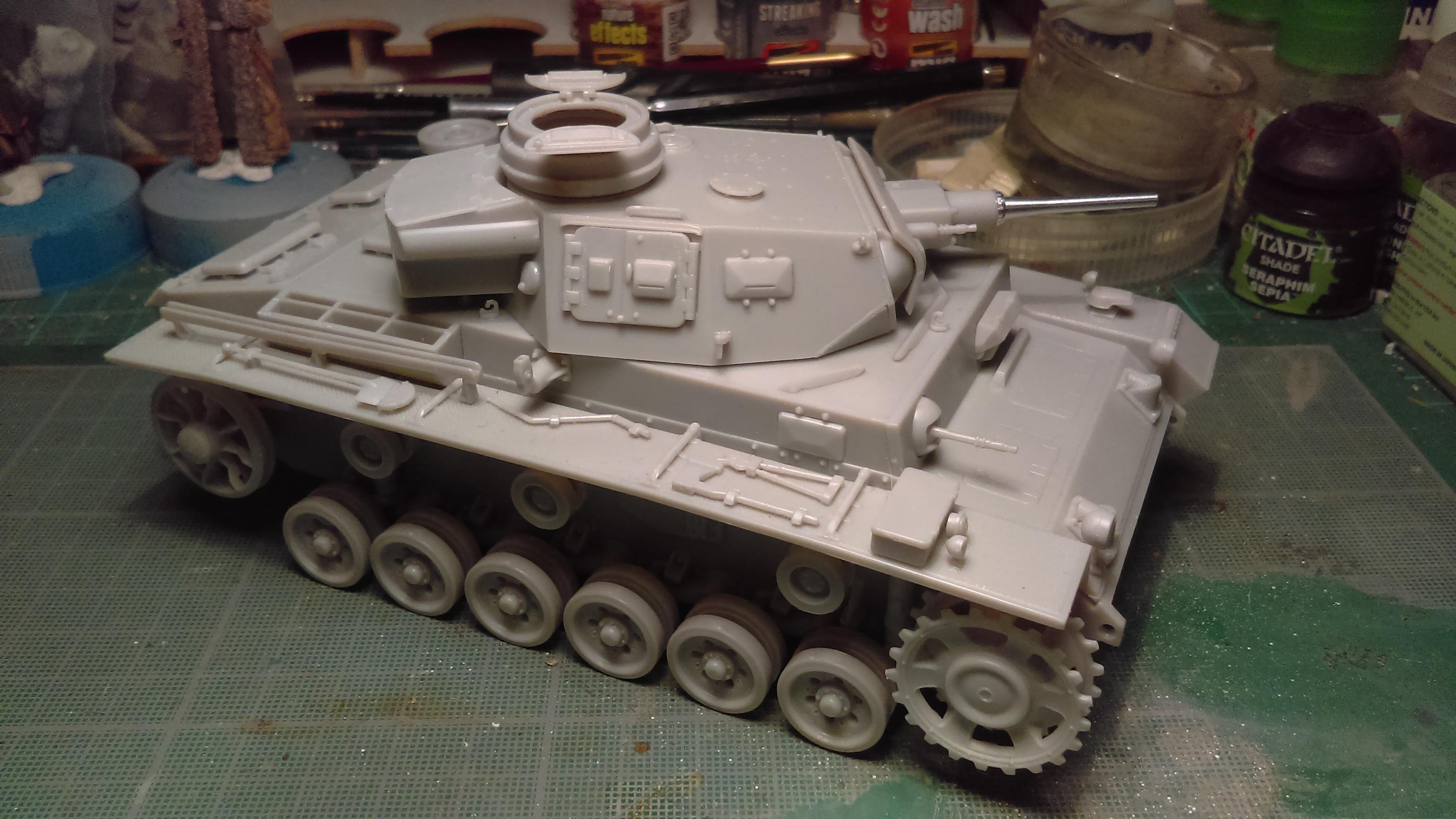 PANZER III J 5 cm KURTZ D.A.K 1/35 REVELL 8WGV2