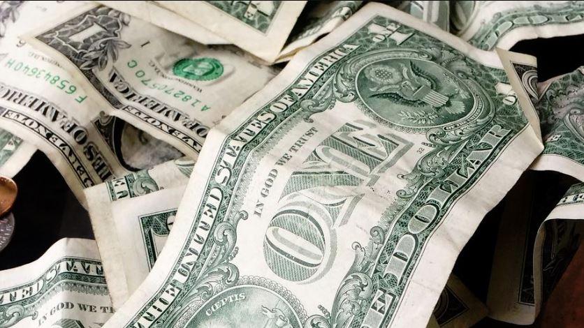 بحث حول النظريات النقدية