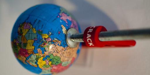 التعاون الدولي في ظل جائحة كورونا.. إطار السياسة – السياسات كمدخل تحليلي