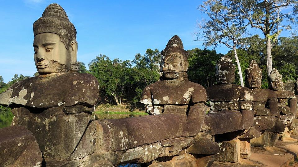 Statues EaboK