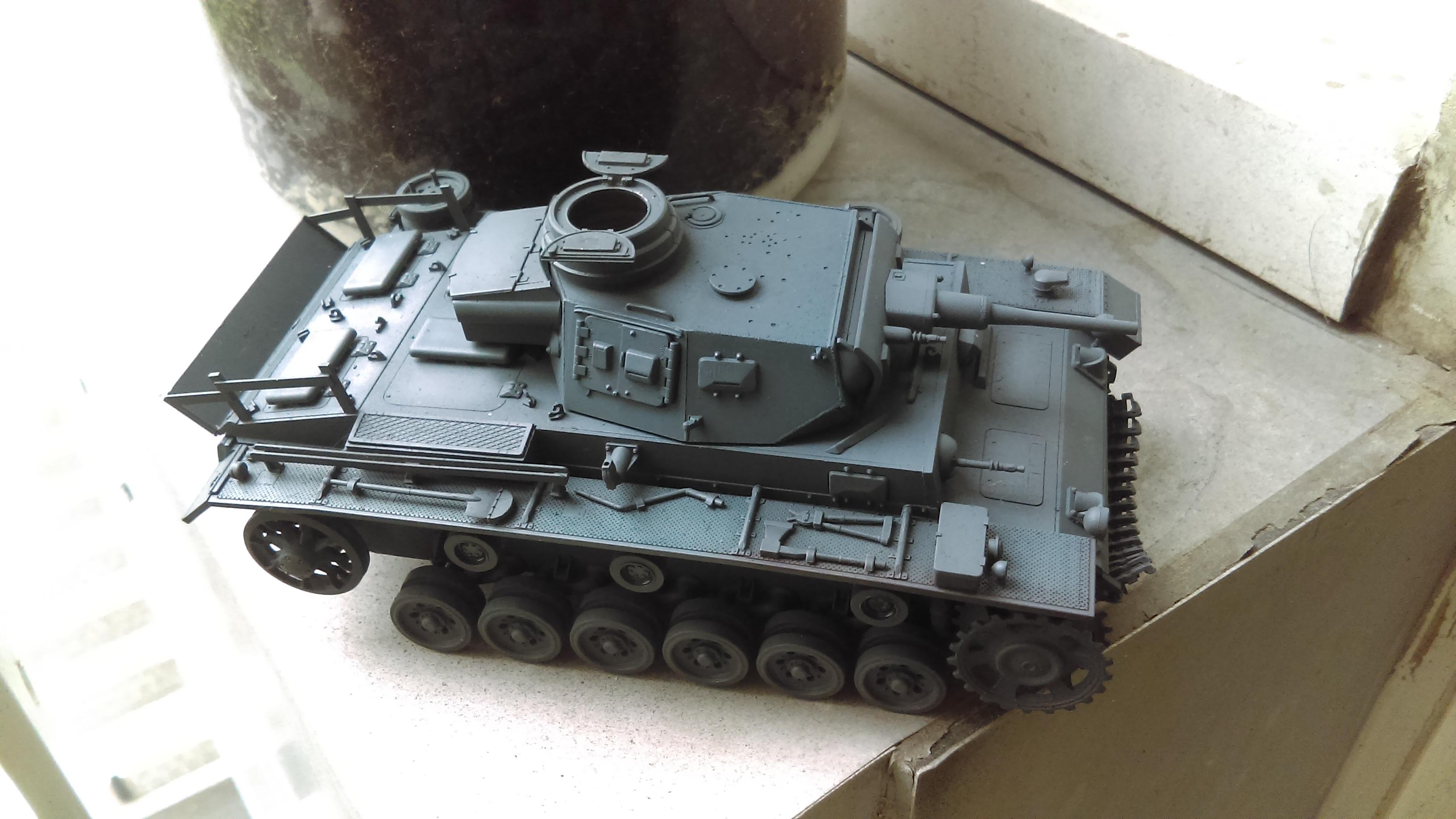 PANZER III J 5 cm KURTZ D.A.K 1/35 REVELL KVyd1