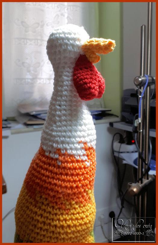 Un Coq en cours de travail *** Ke8wD