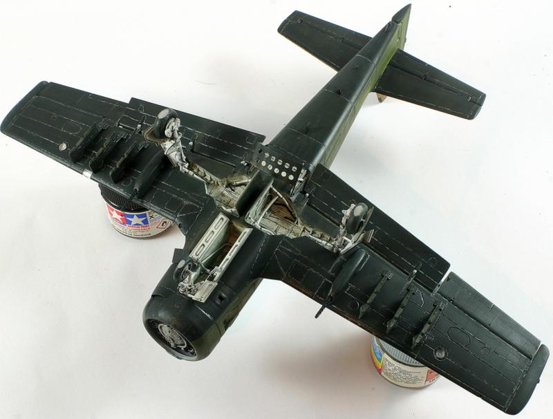 Avion 1/48 T 28 D Trojan Roden Kw8Q1