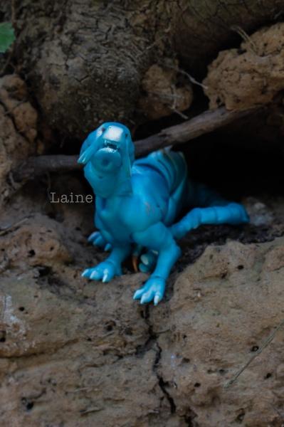 """Laine-{Dragon cuarto} """"Un dragon dans sa grotte"""" bas p9 - Page 9 L0aOp"""