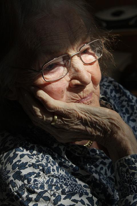 Les femmes âgées L3VEL