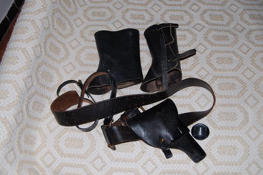 uniforme de milicien  O3OmQ
