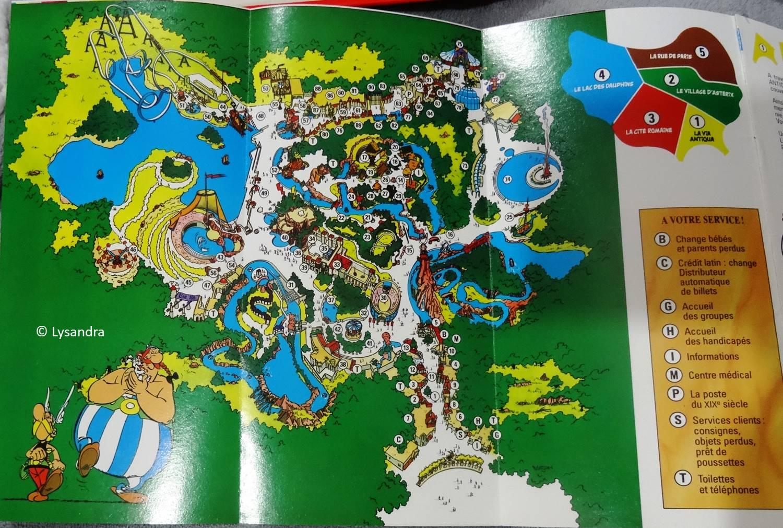 Dépliants, plans, tickets du Parc Astérix P8jD4