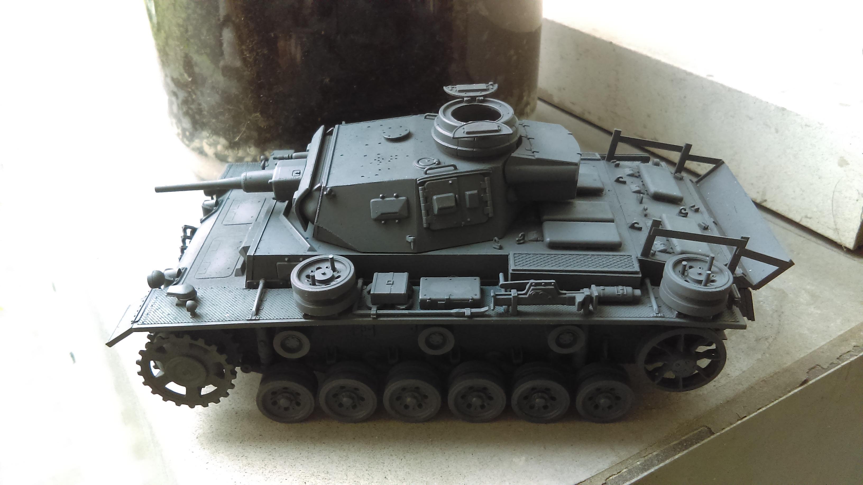 PANZER III J 5 cm KURTZ D.A.K 1/35 REVELL QNj8x