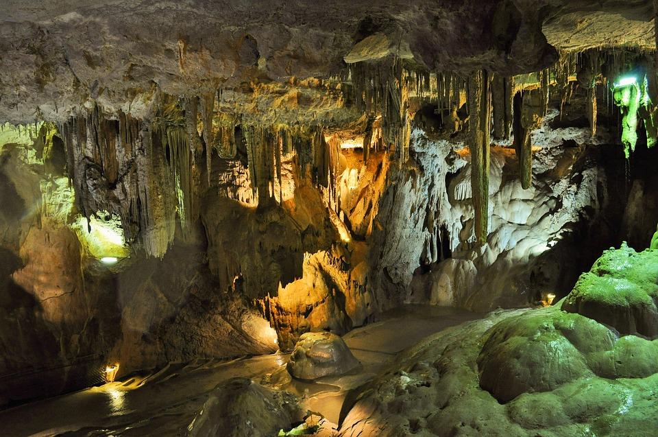 Les grottes  YopgA