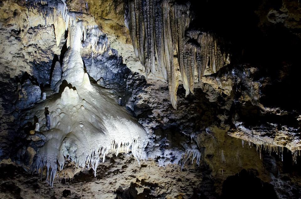 Les grottes  Z2Rml