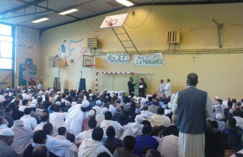 Hassan Younès, imam de la Mosquée de Beauvais, accueille les prédicateurs de l'Islam politique antisioniste Abdallah BenMansour et Hassan Iquioussen (UOIF) dans Politique ZLdWn