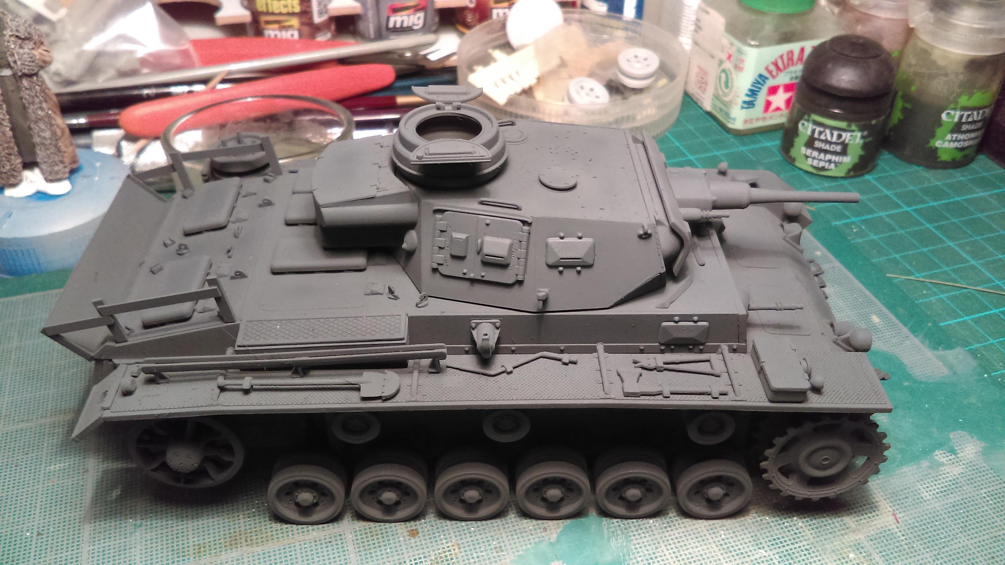 PANZER III J 5 cm KURTZ D.A.K 1/35 REVELL ZvXob