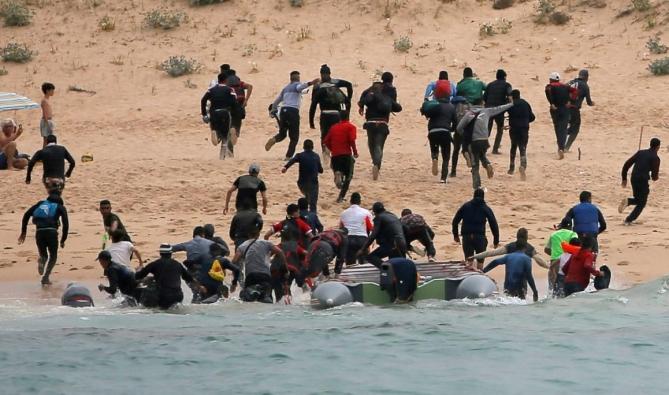 دراسة ظاهرة الهجرة غير النظامية وعلاقتها بالتنمية في دول الساحل الافريقي