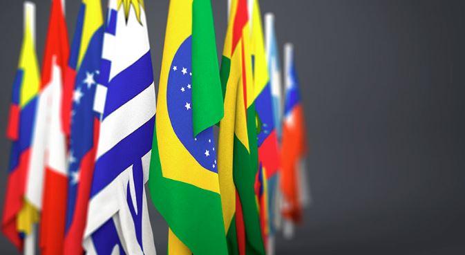 من الحكم العسكري إلى الديمقراطية: العلاقات المدنية – العسكرية في أمريكا اللاتينية