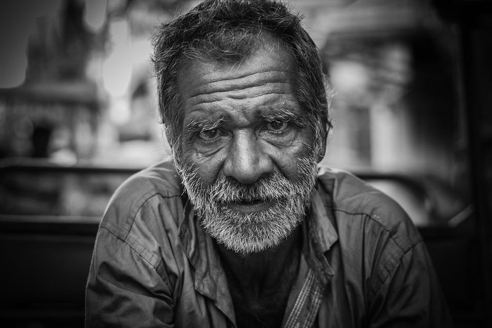 Les hommes âgés  Emn1j