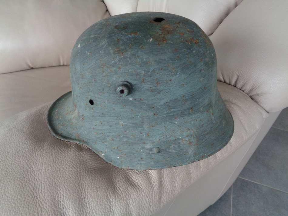 coque de casque sur brocante  K3O8e