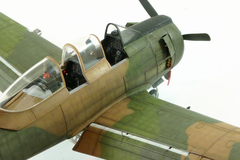 Avion 1/48 T 28 D Trojan Roden KVj5l