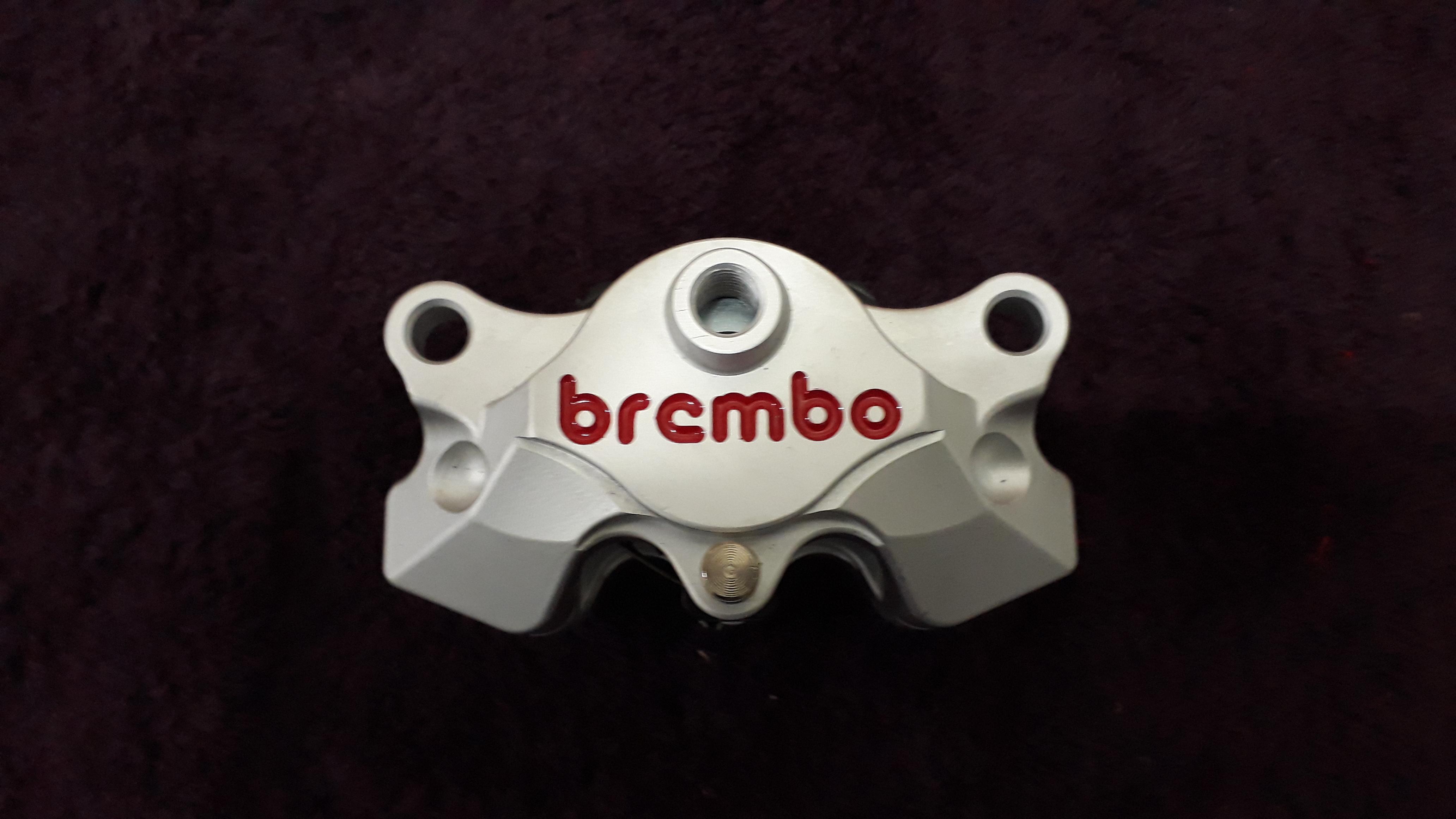 Vend etrier arrière BREMBO P2 34 VENDU L0a58