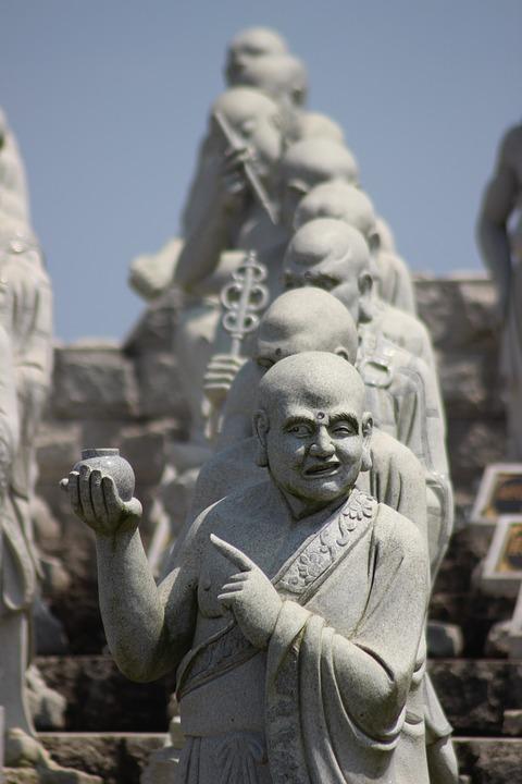 Statues LRl4w