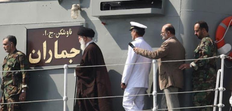 """استهداف الفرقاطة الإيرانية """"كوناراك"""": هل بات النظام الإيراني في مهب الريح؟"""