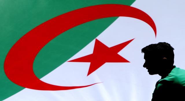 التعددية الحزبية في الجزائر: المسار والمخرجات